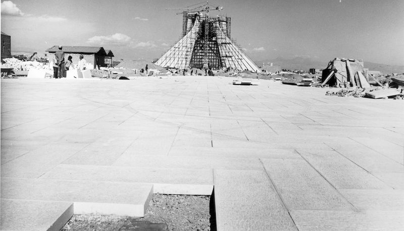 Azadi Tower (Monument) - Amanat - buid